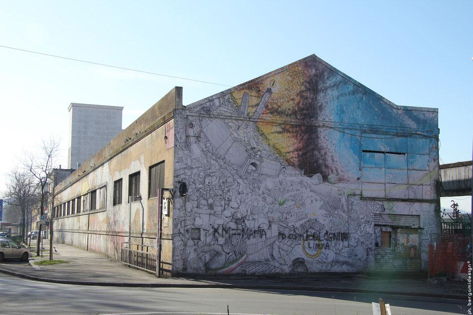 Murales di Blu all'ex-mercato ortofrutticolo di Via Aristotele Fioravanti 24 a Bologna prima della sua cancellazione