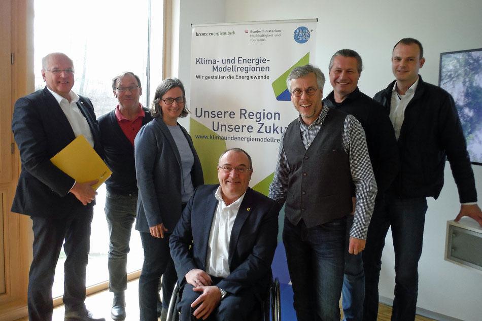 Bgm. Dr. Reinhard Resch mit den Mitgliedern des KEM-Kernteams der Stadt Krems