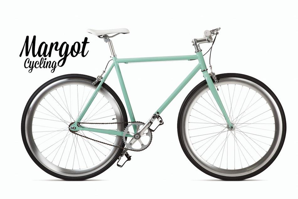Fxed bike MARGOT TIFFANY. Telaio verde vintage e finiture alluminio. Spicca il luminoso grigio anodizzato dei cerchi. Luminosità ed eleganza!