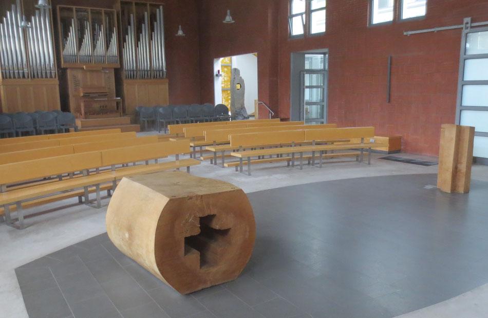 Altar, Sakramentenkapelle, Mitte, Ambo - Objekte Klaus Simon