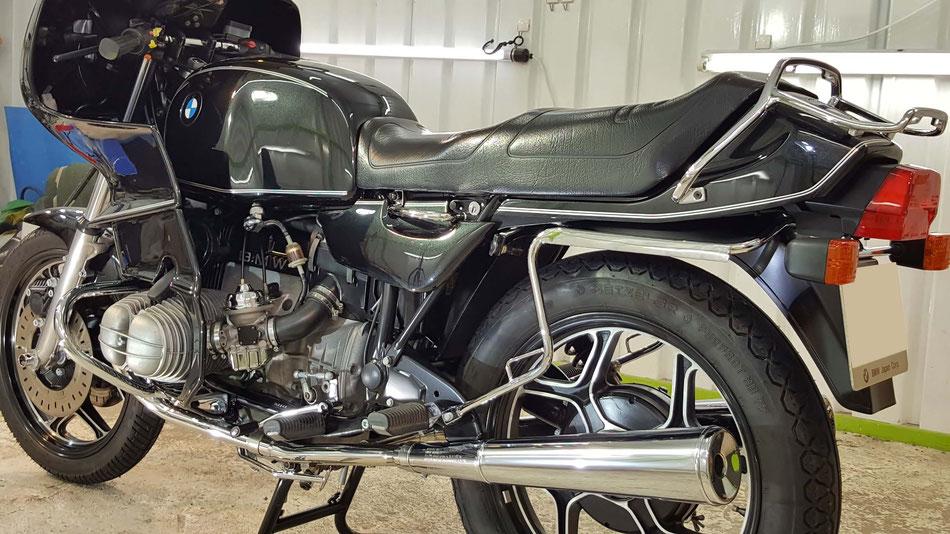 R100RSのコーティング完成 旧車の研磨 BMWバイクの磨き