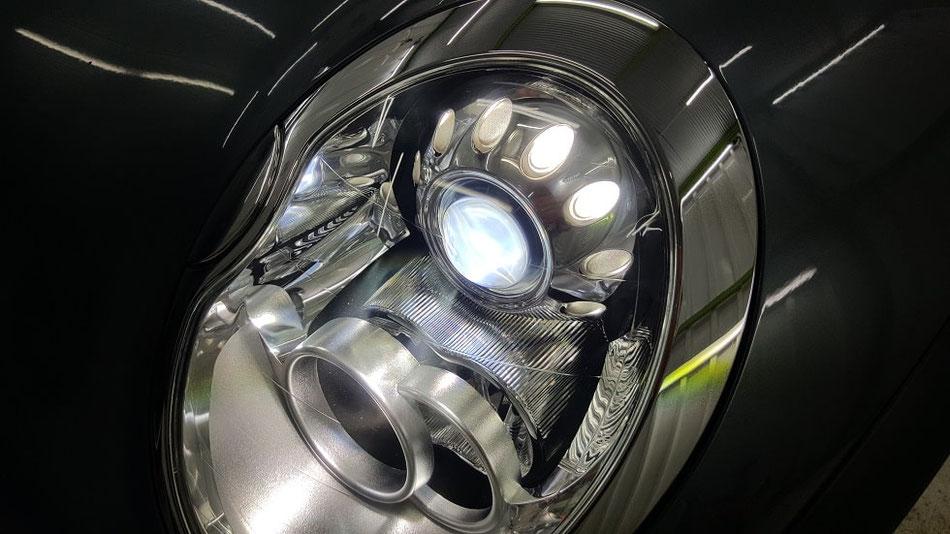 BMW・ミニ ヘッドライトのひび・クラック除去 曇り・白ボケ改善 埼玉の車磨き専門店 R53