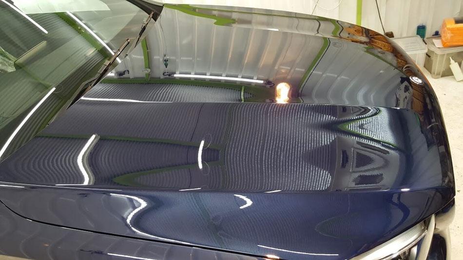 GLCのボンネットの艶 埼玉の車磨き専門店 白ボケ改善