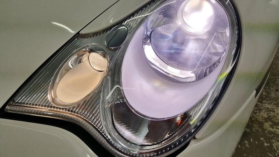 996のヘッドライト研磨後の透明度 ヘッドライトが綺麗なポルシェ996