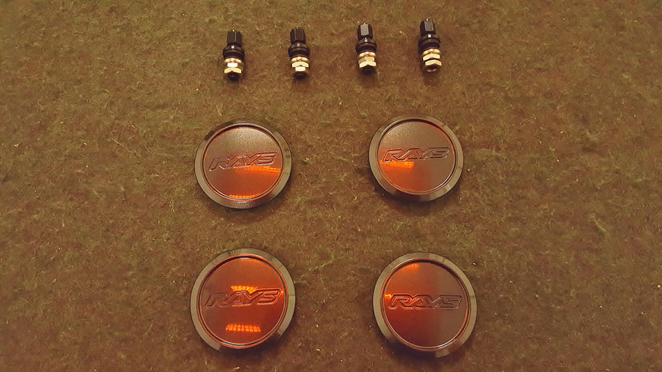 RAYS TE37KCRの焼付けコーティング ホイールのセンターキャップ