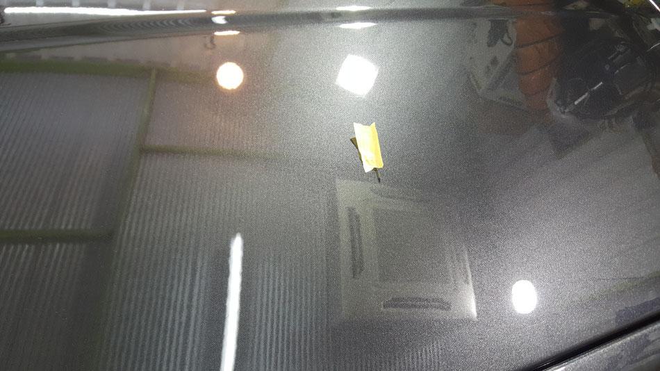 マセラティの傷消し磨き 鏡面磨き 濃色車の研磨