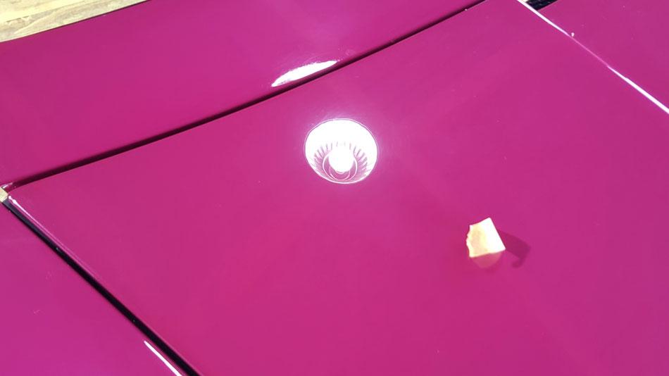 964ターボのボンネットの花粉染み除去 埼玉の車磨き専門店