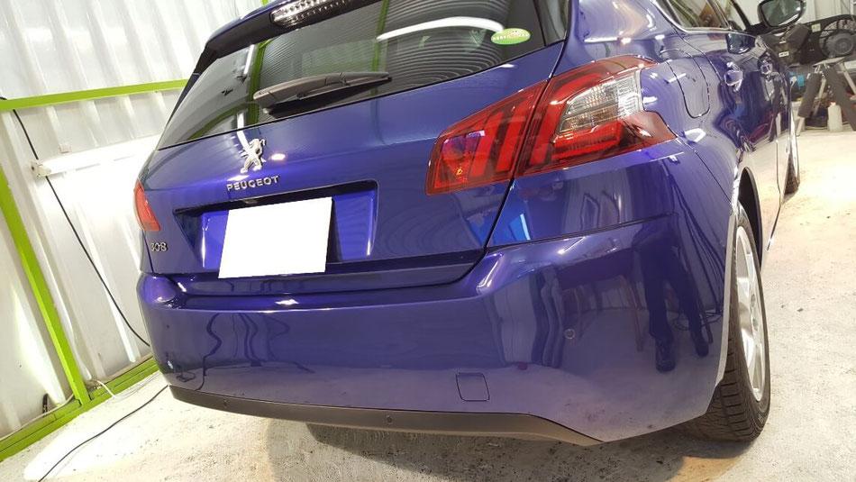 プジョー308のボディコーティング後の艶 埼玉三芳の車磨き専門店 濃色車の施工