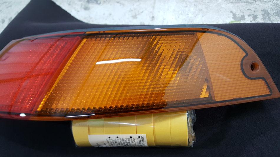 ポルシェ993テールランプの磨きリペア