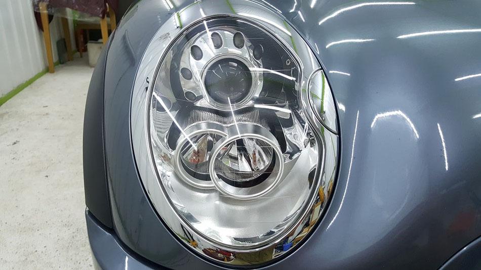 BMW・ミニのヘッドライトコーティング ひび除去 埼玉の車磨き専門店・アートディテール