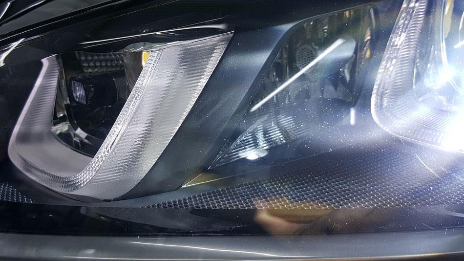 ゴルフ7R ヘッドライトの曇り・劣化改善 埼玉の車磨き専門店