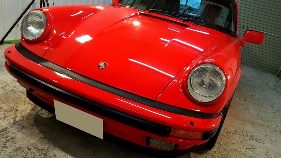磨き・フッ素コーティング後のポルシェ930カレラ 濃色車の研磨 赤いポルシェ