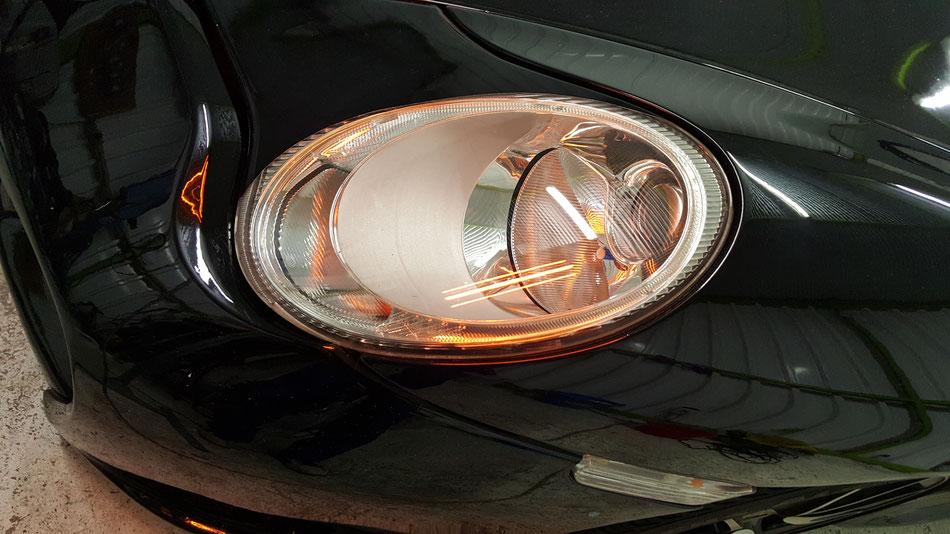 996のヘッドライトのコーティング焼き付け