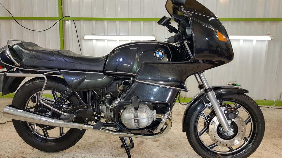 R100RSのセラミックコーティング完成 BMWバイクの磨き
