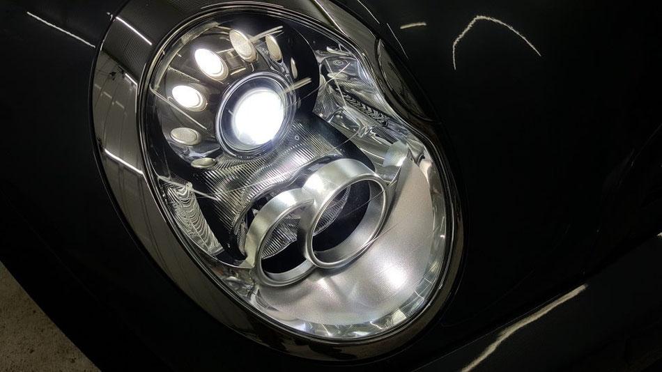 BMW・ミニ ヘッドライトの曇り・白濁除去 ライトリペア