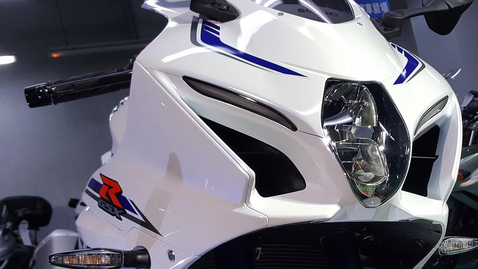 GSX‐R1000Rコーティング後のカウル 埼玉のバイク磨き専門店