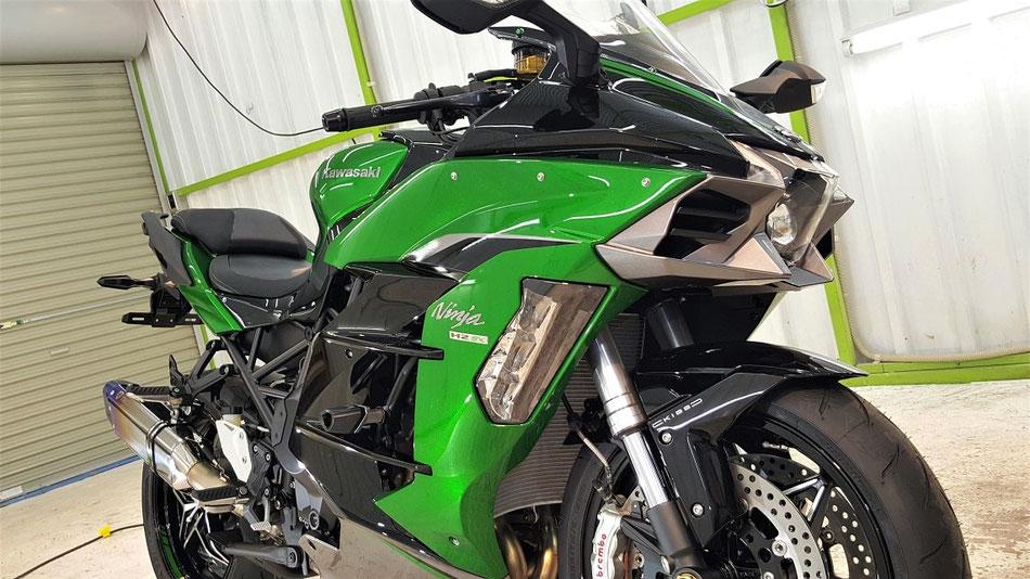 H2SX エメラルドブレイズドグリーン バイクコーティング 自己修復塗装の磨き 埼玉の車・バイク磨き専門店