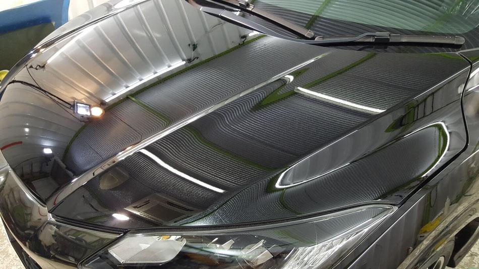 ホンダ・ヴェゼルのナイトホークブラックのセラミックコーティング 埼玉の車磨き専門店 塗装のシミ・イオンデポジット除去