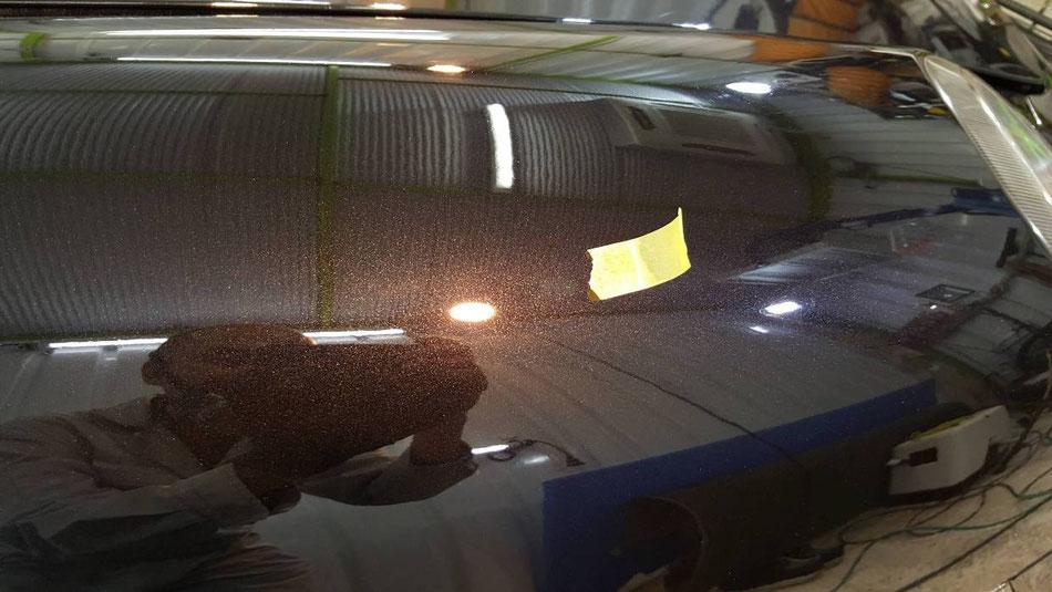 ケイマンのフェンダー磨き後の艶 濃色車の研磨工程 新車様な光沢・質感