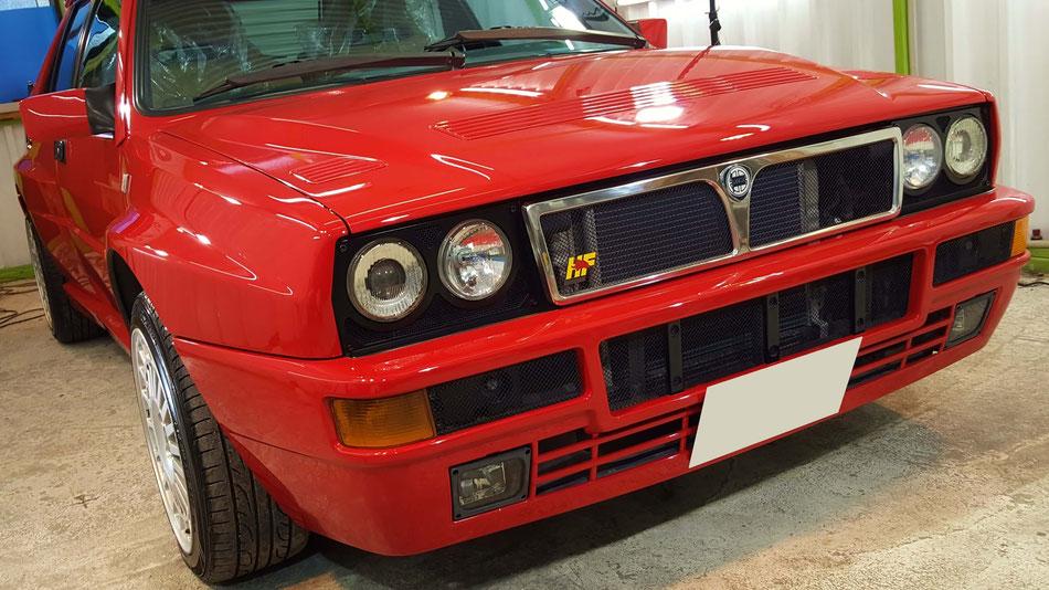 ランチア・デルタHFインテグラーレのガラスコーティング施工 イタリアのスポーツカー 90年代のラリーカー