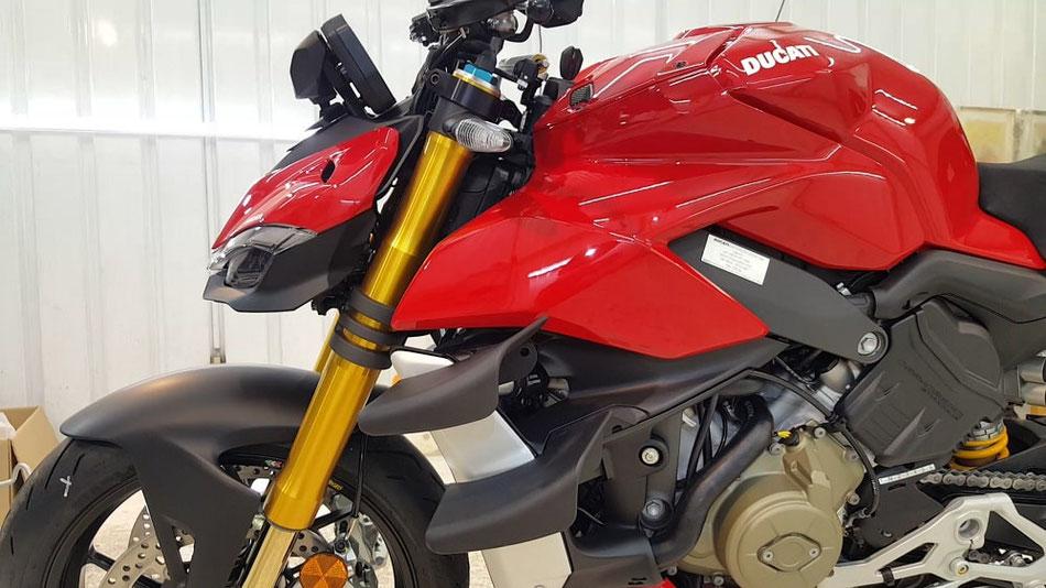 ドゥカティ・ストリートファイターV4S 磨き・コーティング完成 バイクコーティング 埼玉三芳