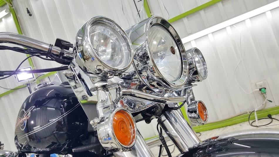 ハーレー・ロードキングのメッキパーツの磨き・コーティング くすみが解消され艶・光沢が向上 埼玉のバイク磨き専門店