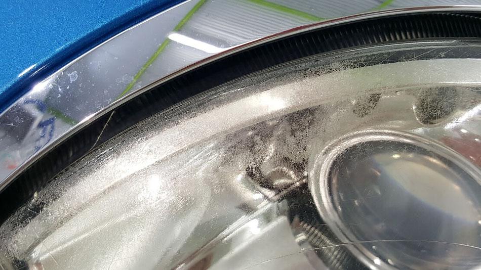 BMWミニのヘッドライトのクラック・黄ばみ・曇り