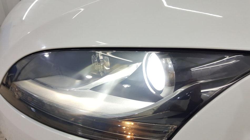 TTクーペ8Jの中古のヘッドライト磨き ライトの黄ばみ・ひび改善