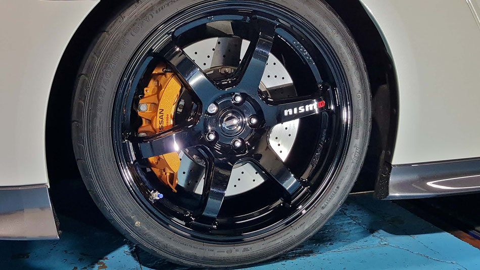 R35GT‐R・トラックエディションのホイールコーティング 埼玉の車磨き専門店
