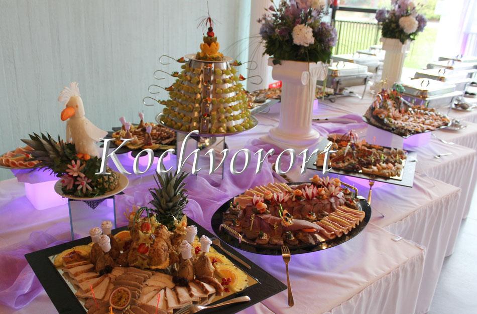 Buffet Menue Russische Hochzeit Märchenhochzeit Hochzeitstorte Eistorte Swadba Powar Fischplatte Fingerfood Kalte Vorspeise