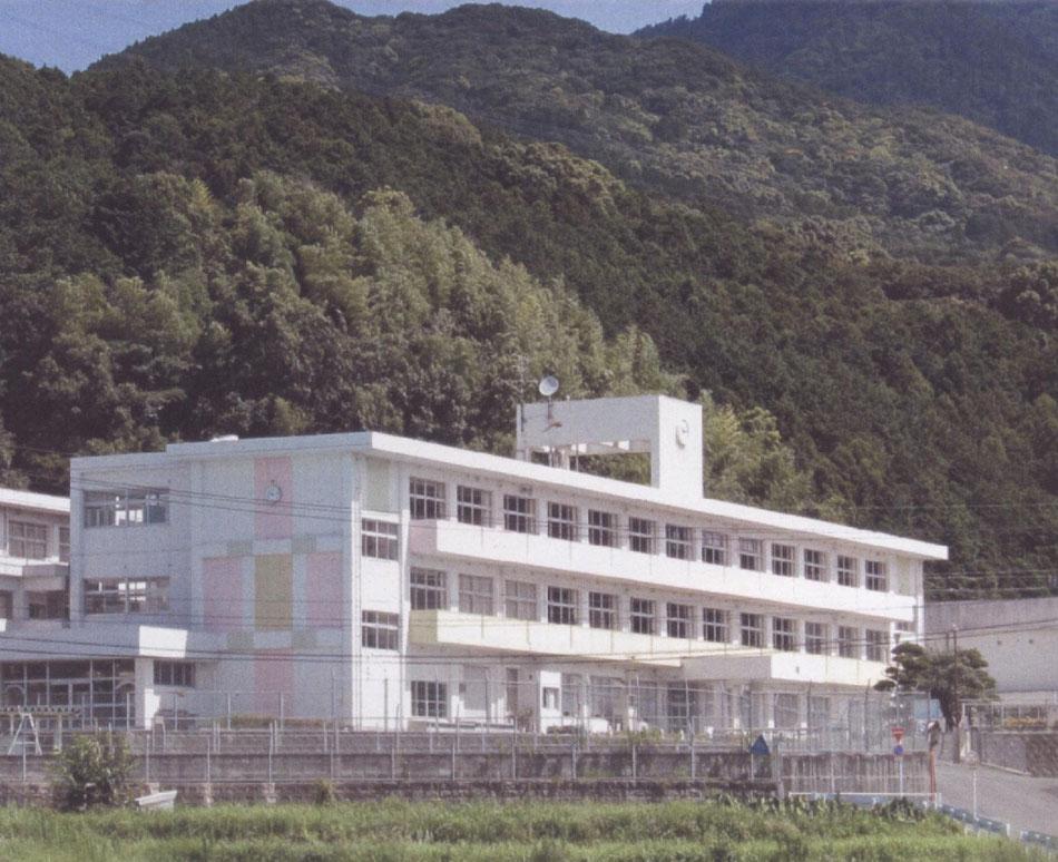 ホーム - yoshikikko8180004 ペ...