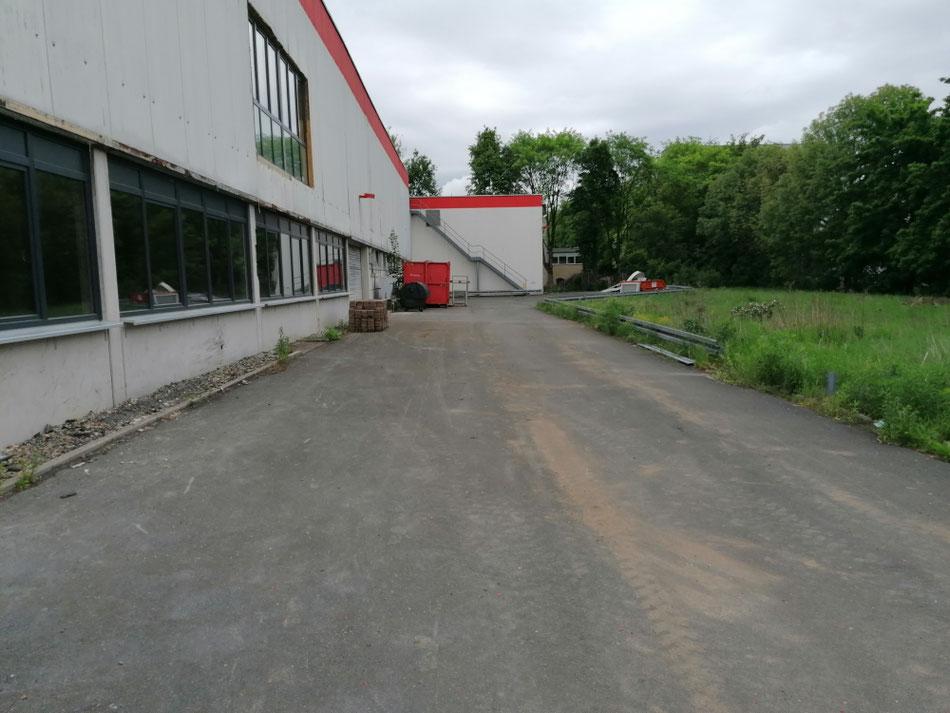Hinterhof des neuen Gyms (E. - C. - Baumann Straße 21, 95326 Kulmbach)