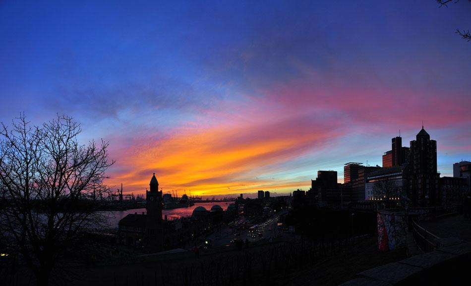Landungsbrücke panorama at sunset - Hamburg, Germany
