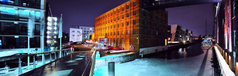 Frozen canals in Hafen City - Hamburg