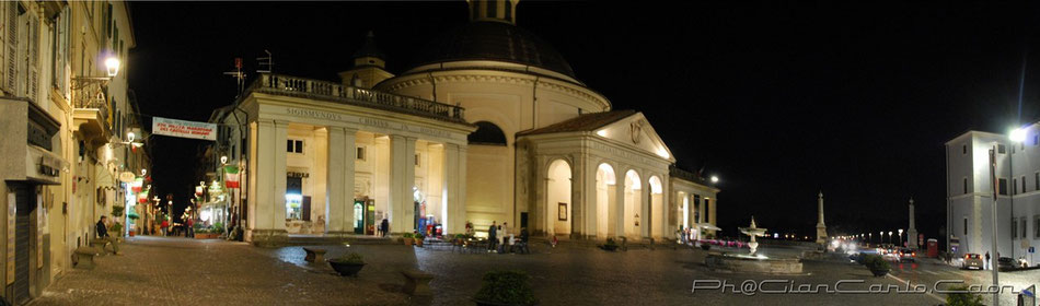 Ariccia By Night - Clicca per ingrandire-