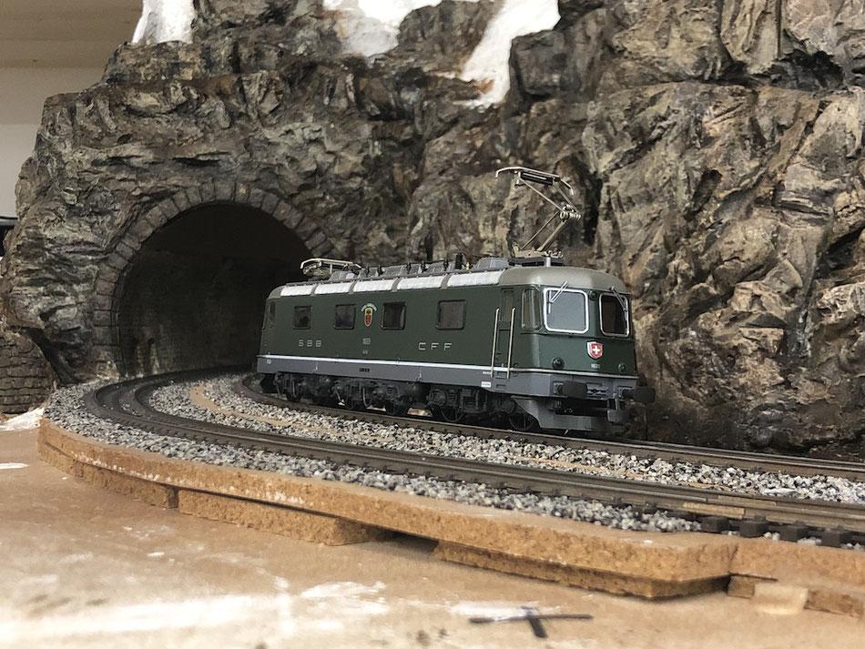 H0 Modelleisenbahnanlage Thema Gotthard SBB / Bern-Löstscherg-Simplon BLS - Re 6/6 Gerra-Gamberogno von Hag