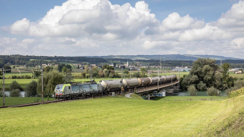BLS BR193 Vectron auf der Reussbrücke bei Oberrüti