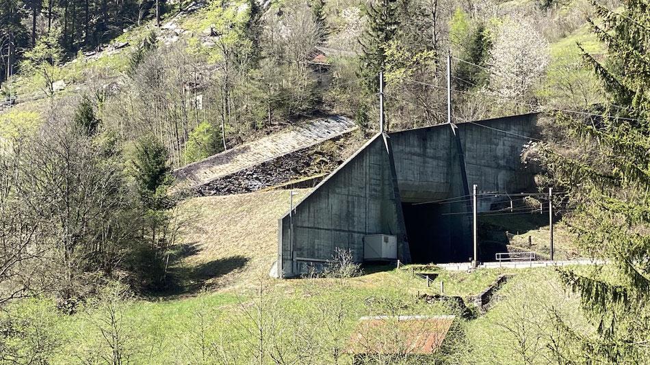Lawinen Schutzgalerie auf der Gotthard-Nordrampe