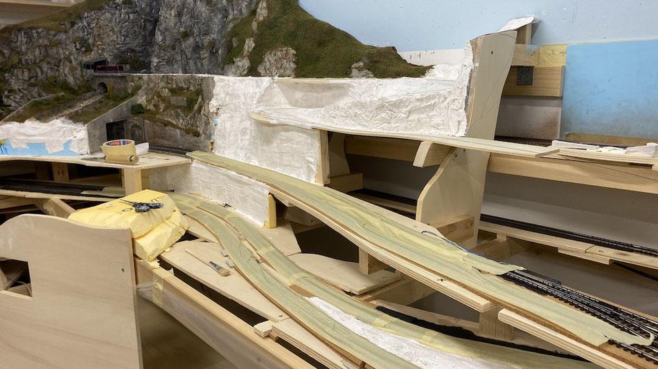 Landschaftsbau und gestaltung auf der Modelleisenbahnanlage