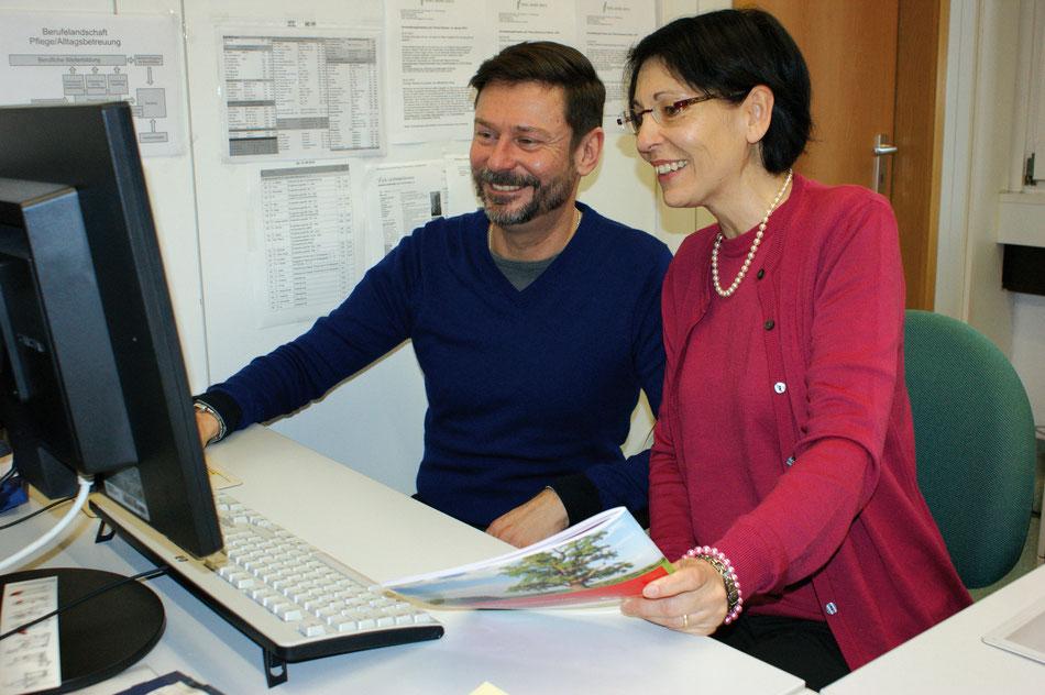 Engagiert in der Demenzfachberatung  im Landratsamt Waiblingen (von links): Thomas Herrmann und Monika Amann.