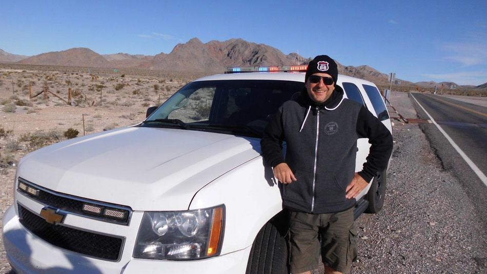 Bild: Route 66 oder NIX: HDW unterwegs mit highwaytauglicher Sonnenbrille im Death Valley