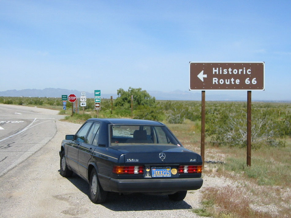 Bild: Mercedes-Benz 190D, Historic Route 66, Historic Car, California