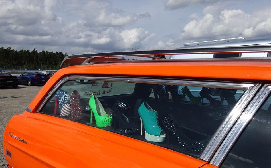 Bild: Hockenheim NASCAR 2017, HIgh Heels, HDW, US-Car Treffen,