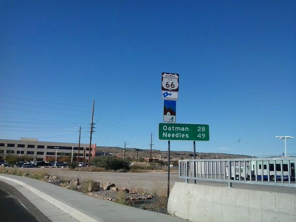 Bild: Oatman, HDW-USA, Roadtrip, Amerika, Mister T. und der Weiße Büffel, Route 66, Interstate 40, Needles