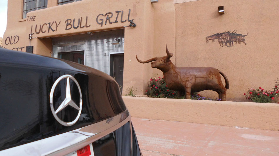 Bild: The Lucky Bull Grill, New Mexico, Mercedes-Benz