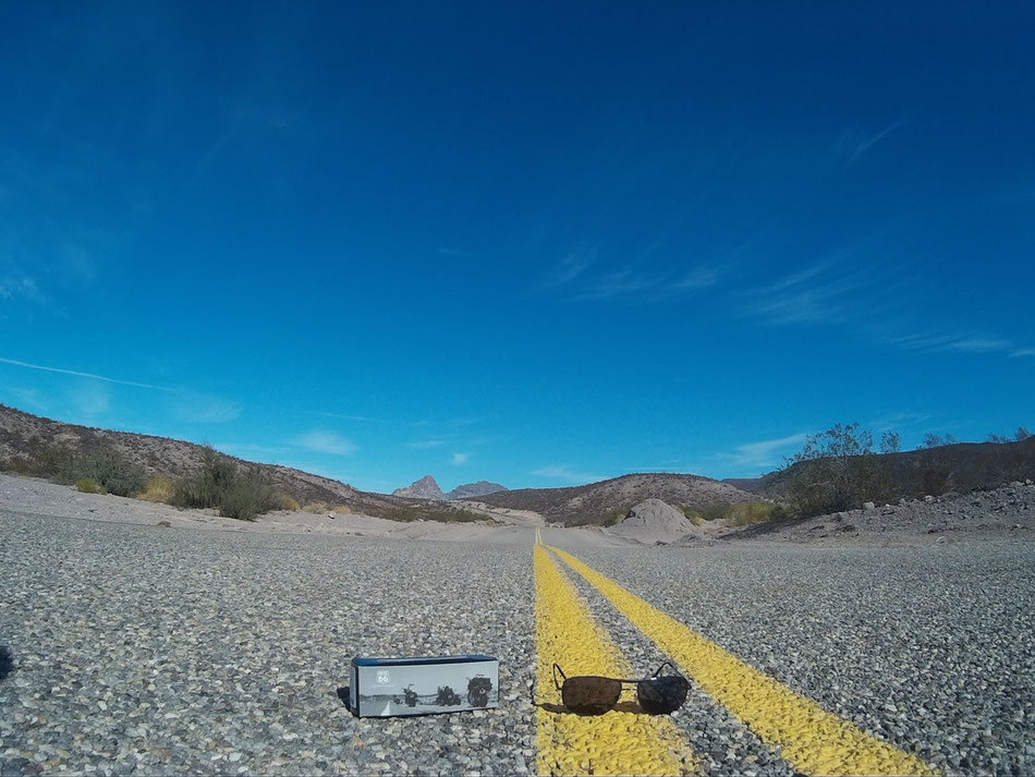 Bild: HDW-USA, Amerika, USA, Highway, Arizona, Route 66, Chevy Tahoe, Highwaytaugliche Sonnenbrille