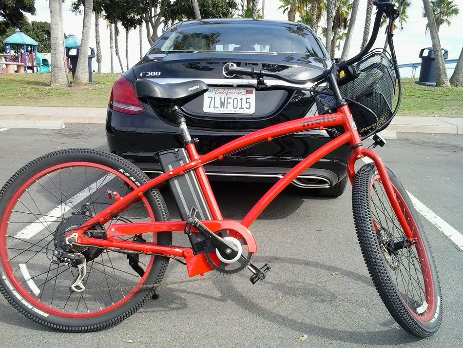 Bild: Red Lady, Mercedes-Benz 300C, San Diego California, Coronado Island