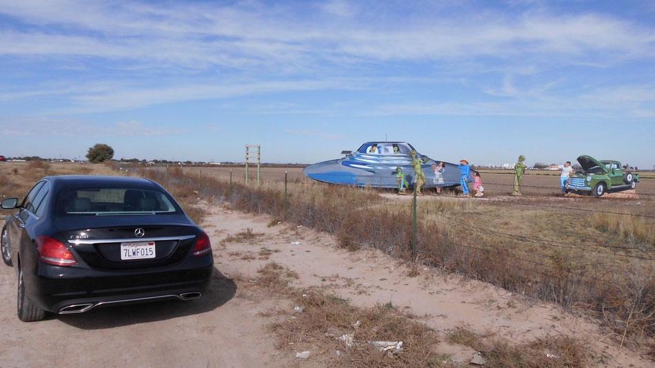 Bild: Roswell New Mexico, UFO, Mercedes-Benz C-Klasse