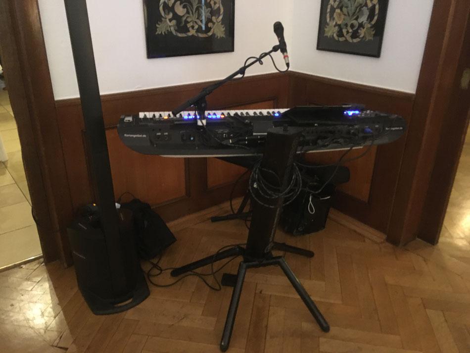 Schöne Hintergrundmusik zum Kaffee und Kuchen in Frankfurt