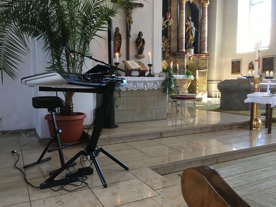 Musiker für Trauungen mit Keyboard und Stimme